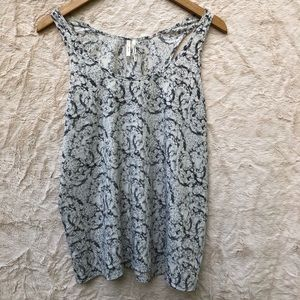 Frenchi tank. Black and white pattern, L